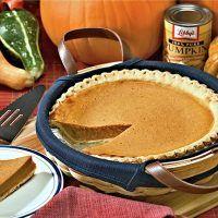 Recept : Bezinkový sirup z plodů černého bezu | ReceptyOnLine.cz - kuchařka, recepty a inspirace Canned Pumpkin, Pumpkin Puree, Types Of Pie, Best Pie, Food Waste, Baking Recipes, Pasta Recipes, Fall Recipes, Delish