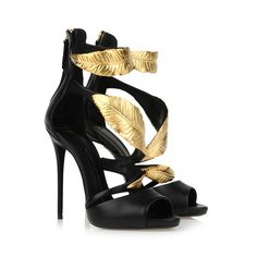 Sandals - Shoes Giuseppe Zanotti Design Women on Giuseppe Zanotti Design Online Store @@NATION@@ - Fall-Winter Collection for men and women. Worldwide delivery. |  E40073 001