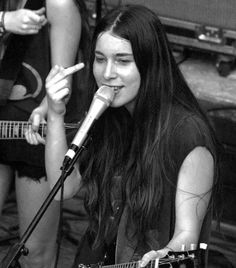 Danielle Haim Danielle Haim, Word Girl, Lindsey Buckingham, Riot Grrrl, Fleetwood Mac, Girls 4, Music Bands, Feminism, Sisters