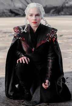 Daenerys Targaryen, Emelia Clarke, Game of thrones season 7 sneak peek preview spoilers