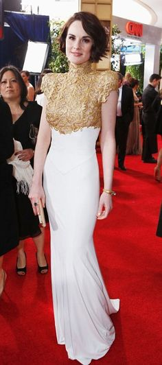 Michelle Dockery looked amazing at the Golden Globes in Alexandre Vauthier..
