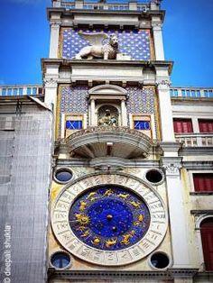 4  Torre dell'Orologio (Italia)  Torre dell'Orologio es, como su nombre indica, una Torre del Reloj situada en la plaza de San Marcos en Venecia (Italia), junto a la Procuratie Vecchie. Alberga el reloj más importante de la ciudad, el reloj de San Marcos (alternativamente conocida como la torre del reloj de los moros).