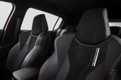 PEUGEOT 308 GTi front sport seat: The classic seats are replaced with sport ones.