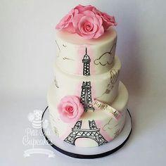 Inspirada para Festa Paris! #festejandoemcasa #bolosfestejandoemcasa #festaparis #boloparis By @toys_petiycalicupcakes