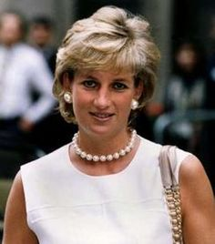Diana's Life In Jewels - Princess Diana Remembered