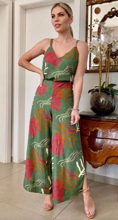 Chic Outfits, Frocks, Amanda, Jumper, Jumpsuit, Glamour, Womens Fashion, How To Wear, Clothes