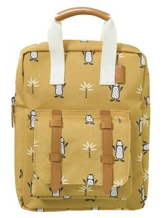 Beautiful Fresk children backpack made from recycled PET bottles ★ Great designs with cognac-colored details ★ Ideal for day care or excursions Kids Backpacks, School Backpacks, Pet Bottle, Blue Whale, Big Bags, Small Wallet, Vintage Yellow, Shoulder Bag, Designs
