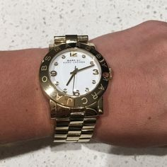 Marc Jacobs Amy 36MM Gold Watch Beautiful golden Marc Jacobs 36MM watch in EXCELLENT condition. Marc Jacobs Accessories Watches