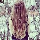 i want my hair to be died like this and i want my hair like this for graduation @Ohh Mariella