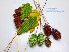 Beading for the very beginners: Oak twig with acorns