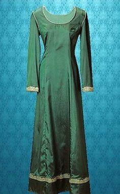 good price costume... Emerald Dream Gown: Renaissance Costumes, Medieval Clothing, Madrigal Costume: The Tudor Shoppe