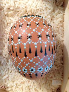 Ostereiermarkt Schleife 2015 Easter Egg Crafts, Easter Eggs, Egg Rock, Egg Shell Art, Carved Eggs, Faberge Eggs, Egg Art, Egg Decorating, Dot Painting