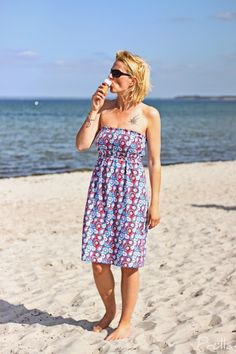 Tutorial beach dress – summer can come! Diy Clothing, Sewing Clothes, Diy Dress, Dress Skirt, Diy Fashion, Fashion Outfits, Sew Over It, Baby Sewing, Strapless Dress