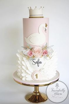 My first order for and it was just the sweetest thing! I was given the theme of a swan princess for darling little Sofia. 1st Birthday Party For Girls, 1st Birthday Princess, 1st Birthday Cakes, Girl Birthday Themes, Birthday Parties, Birthday Ideas, Princess Sofia, Die Schwanenprinzessin, Festa Party