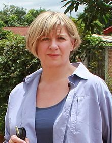Victoria Wood, CBE May 1953 – 20 April was an English comedian, died from terminal cancer. British Actresses, Actors & Actresses, English Comedians, Victoria Wood, Live Comedy, Comedy Acts, British Comedy, Tv Presenters, Classic Tv