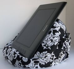 Check out this item in my Etsy shop https://www.etsy.com/listing/529912584/extra-large-bean-bag-chair-for-tablets