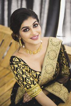 Indian Glamour World Beautiful Girl In India, Beautiful Girl Image, Most Beautiful Women, Beautiful Saree, Beautiful Dresses, Beautiful Bollywood Actress, Most Beautiful Indian Actress, Beauty Full Girl, Beauty Women