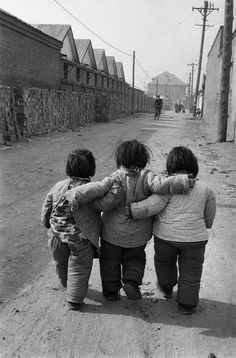 Friends in Beijing, China. 1957 by Marc Riboud (birdsong217)