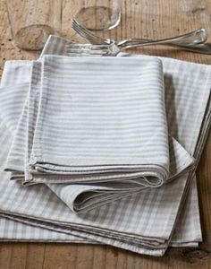 Barefoot Contessa - Easy Tips - Dish towels as napkins