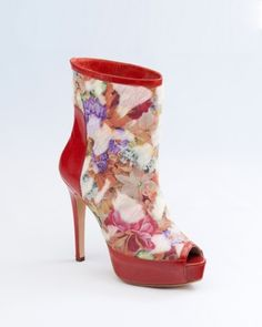 Mario Valentino F/W 15/16 #shoes #fashion #heels #design #leather #boots #flower #pony