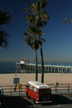 VW Camper, Manhattan Beach, California. NEXT TRIP MAYBE?! ALWAYS DREAMED OF THIS!