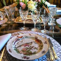 French Table, Table Manners, Entertainment Table, Beautiful Table Settings, Dinning Table, Fine Dining, Tablescapes, Dinnerware, Place Settings