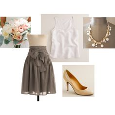 I really like this skirt :) I wonder if I can find it in cranberry