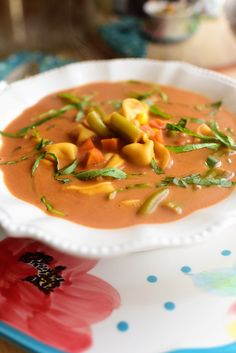 Veggie Tortellini Soup | The Pioneer Woman The Pioneer Woman, Pioneer Women, Easy Dinner Recipes, Soup Recipes, Vegetarian Recipes, Easy Meals, Cooking Recipes, Healthy Recipes, Dinner Ideas