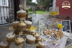 #vintagecandybar #yellow #flowers #cupcakes #dessertbar