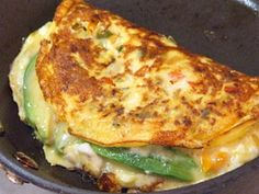 Avocado Manchego Cheese Omelette - I love manchego cheese!!! and avocados - together = YUMMY