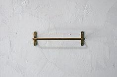 カフェや雑貨のトイレや流し台の壁付けタオルハンガーにご使用頂けます。