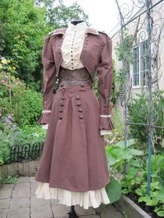 I love this Steampunk River Song outfit by Alisa - Dragonfly designs