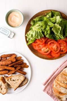 This vegan BLT with tempeh 'bacon' is the ideal plant-based sandwich. It's hearty, satisfying, and simple to make - perfect for showcasing summer's best tomatoes! thenewbaguette.com #tempehbacon #veganblt #vegansandwich #tempehrecipes Sandwich Menu, Falafel Sandwich, Vegan Protein Sources, Tempeh Bacon, Quick Weeknight Meals, Grilled Vegetables, Meatless Monday, Tomatoes, Plant Based