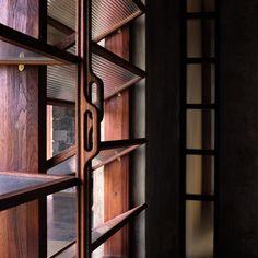 QUe buenas persianas de madera Utsav House / Studio Mumbai