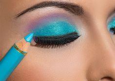 Aliados da maquiagem! Descubra as funções de cada tipo de lápis - Blog da Cris Feu