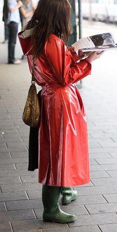 0bebd1245 70 bästa bilderna på Woman in rainwear under 2019 | Rain jacket ...