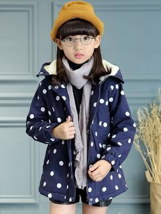 SHARE & Get it FREE | Drawstring Polka Dot Hooded Girls CoatFor Fashion Lovers only:80,000+ Items • New Arrivals Daily • Affordable Casual to Chic for Every Occasion Join Sammydress: Get YOUR $50 NOW!