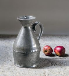An Irish pewter haystack 1/2 gallon beer measuring jug early C19th made by Austen & Son of Cork the makers mark to the base. #foundbyhowe   A similar Austen & Son pewter noggin measuring jug can be found in the @vamuseum Collection Museum No. M.54-1938.