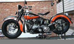 Harley-Davidson - 1946 FL Knucklehead