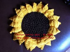 ♥LMW-MRS♥3D Crochet sunflower for my daughter.  I never got to stiffen the petals. because my daughter took it with her as soon as she saw it. She loves sunflowers, and she didn't want to wait having it in her living room.