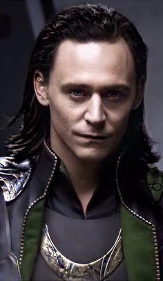 lol ur not tom hiddleston (@l_nysmb)