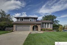 Omaha Home for Sale in the Roanoke neighborhood at 11306 Saratoga Street listed by Cory Fuller of Berkshire Hathaway HomeServices Ambassador Real Estate. Enjoy Roanoke Pool, tennis courts and a huge park only blocks away! 402-680-2393