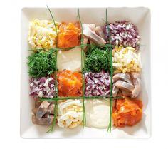 Kalavati | K-ruoka  Kaunis kalavati sopii esimerkiksi vappubrunssin tarjottavaksi tai juhannuksen tai joulun kalapöytään. #vappu