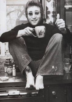 John Lennon r.i.p., singer, song writer, glasses, coffee, fingers, hand, musician, The Beatles, portrait, photo b/w.
