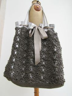 Crochet & Fabric, Ribbon-Tie Tote.