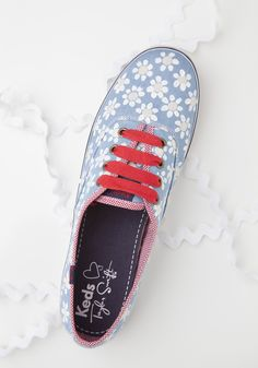 15089143d460 Transform Your Keds with These 6 Unbelievably Easy DIYs -