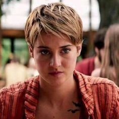Insurgent I hate her hair in this movie Divergent Hair, Divergent Series, Insurgent Movie, Insurgent Quotes, Allegiant, Short Hair Cuts, Short Hair Styles, Oval Face Haircuts, 50s Hairstyles