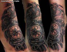 Tatuaje de una brújula por Sergio Valle, de Huesca (España). Si quieres ponerte en contacto con él para un tatuaje visita su perfil: http://www.zonatattoos.com/13piks #tatuajes #tattoos #ink