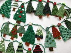 Knitting: Christmas Tree Advent Garland–Now, to find someone to make it for me…. Knitting: Christmas Tree Advent Garland–Now, to find someone to make it for me…hmmm… Diy Christmas Tree Garland, Knitted Christmas Decorations, Crochet Christmas Trees, Little Christmas Trees, Christmas Makes, Christmas Knitting, Felt Christmas, Knit Christmas Ornaments, Christmas Cookies