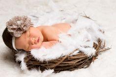 Curso on-line vai ensinar como acalmar o bebê e manuseá-lo, além de sugerir poses, materiais e cenários.